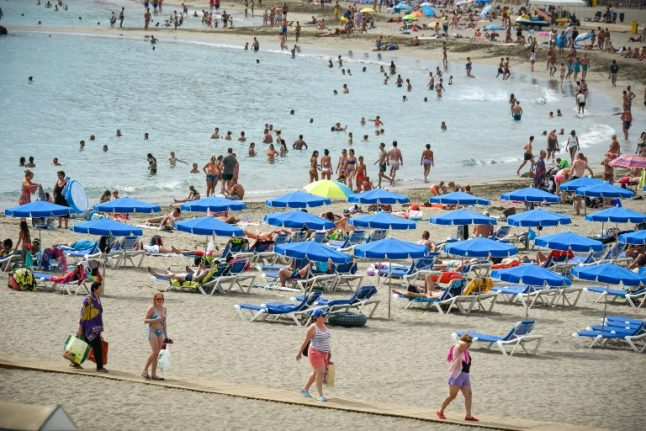 Booming tourism helps put Spaniards back to work
