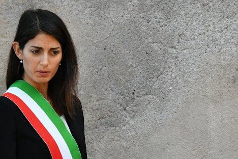 Eternal City's woes turn up heat on Rome mayor