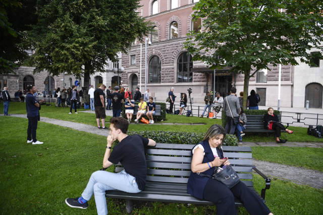 Sweden left waiting for PM's response to no-confidence motion