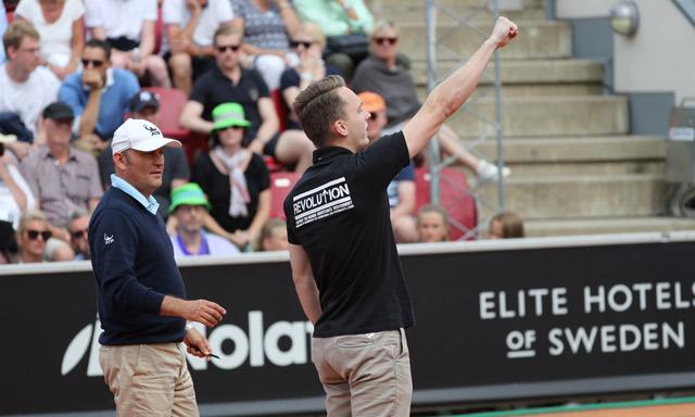 Man interrupts Swedish Open match with Nazi slogans