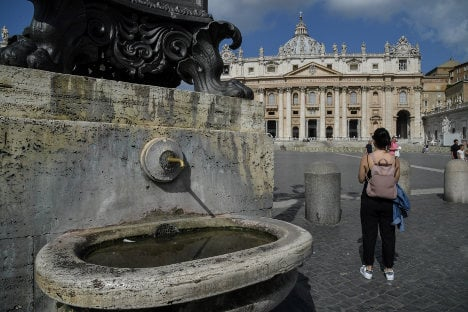 Italy drought: Vatican switches off fountains in show of solidarity