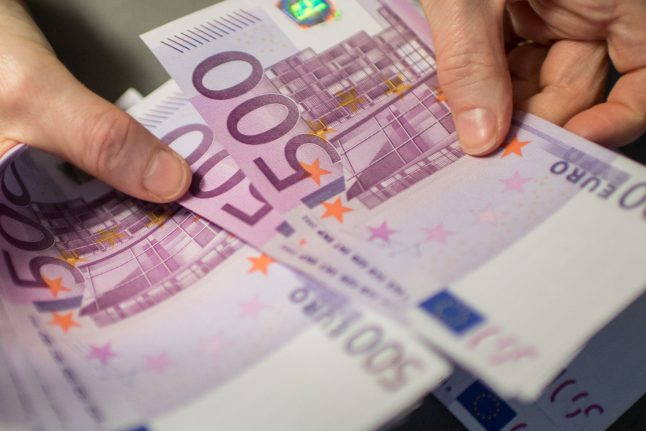 13-year-old found handing out thousands of euros 'to make friends'