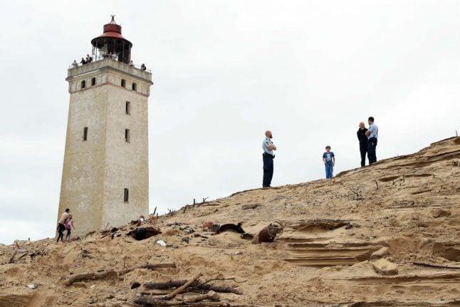 WW2 bomb found on beach near Danish lighthouse