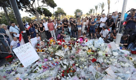 French prosecutors demand magazine's withdrawal over Nice terror attack images