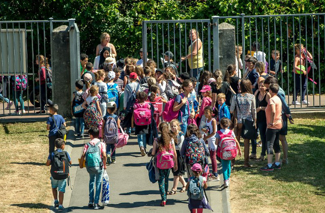 Third of French primary schools to return to a four-day week