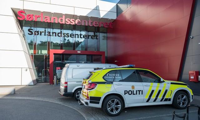 Two injured in Norwegian shopping centre stabbing