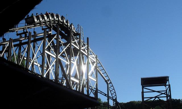 33 hurt as rollercoaster cars crash at Spanish park