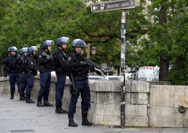 Controversial French anti-terror bill clears first hurdle