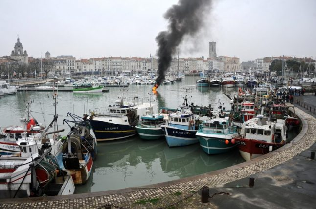 France eyes post-Brexit deal to keep fishing in UK waters