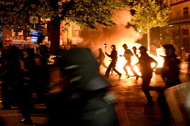 76 police hurt in clashes with anti-G20 protesters