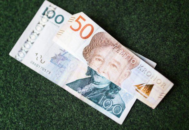 Cashless Swedes still sitting on old kronor worth billions
