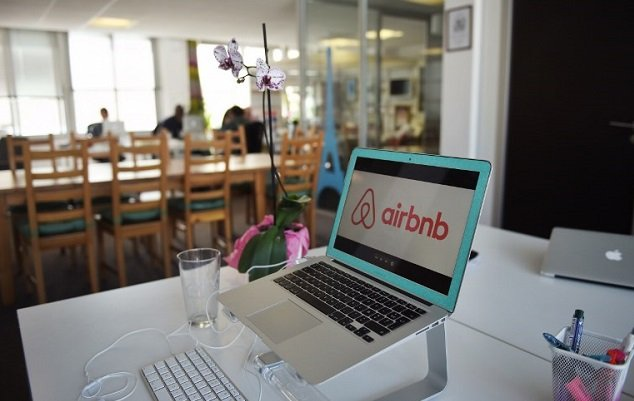 Milan Airbnb hosts to take in refugees in pilot project