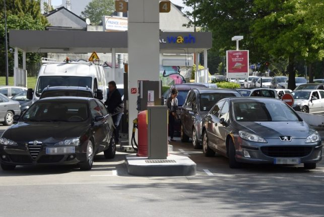 France's new 'climate plan': Sales of petrol and diesel vehicles to end by 2040