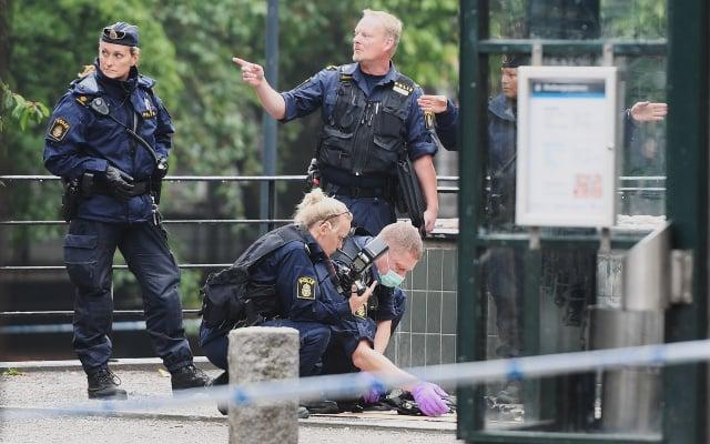 Police officer out of hospital after knife attack in central Stockholm