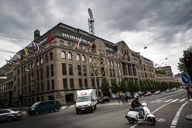Smash-and-grab raid on iconic Stockholm store NK