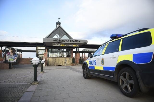 Suspected child sex offender caught thanks to alert train attendant