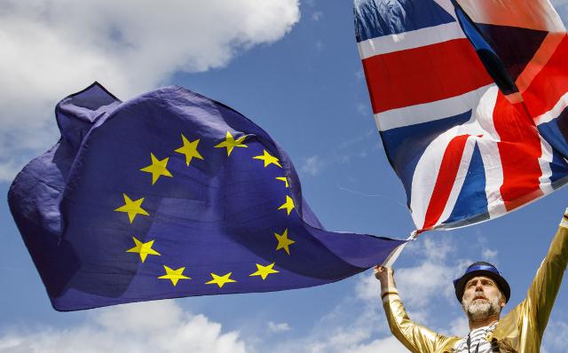 Insurance giant Chubb picks Paris as post-Brexit EU headquarters
