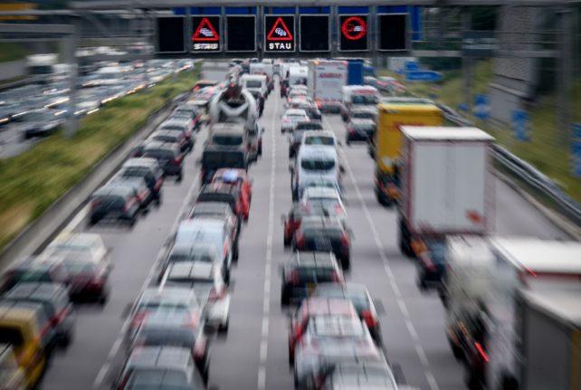 Merkel pledges billion euros to help cities fight pollution from diesel cars