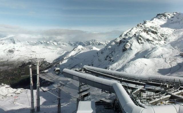 Swiss ski resorts wake up to September snow