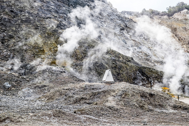 Family killed in volcanic crater near Naples