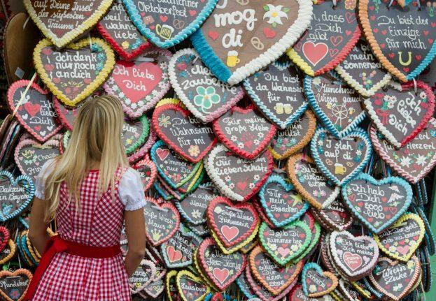 Dirndls and Lederhosen – the traditional German alternative to online dating
