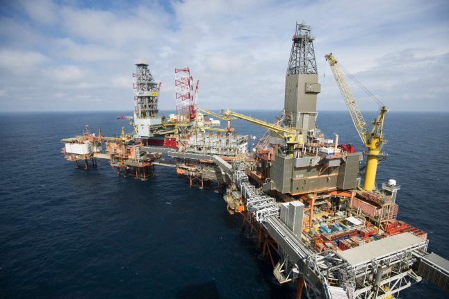 Oil-rich Norway struggles to beat its 'petroholism'