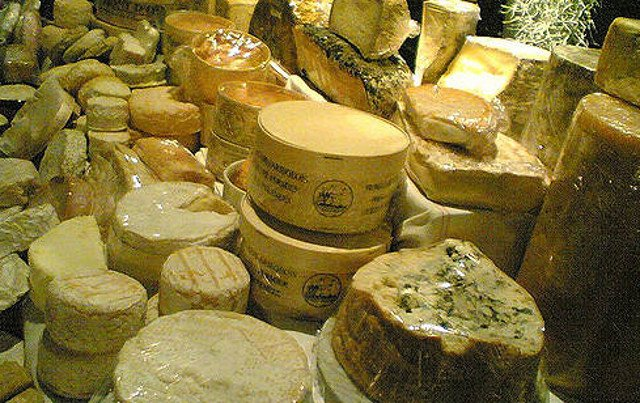 US supermarket sparks outcry over French cheese map that stinks