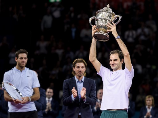 Federer scoops eighth Swiss Indoors title in Basel