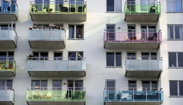 Sweden's housing obligation to asylum seekers means other vulnerable groups go without: report