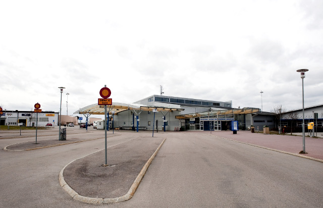 Skavsta airport evacuated over bomb scare