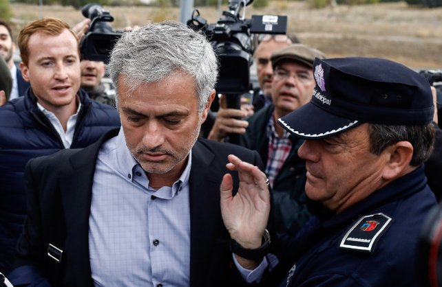 Jose Mourinho appears in Spanish court over tax fraud allegations