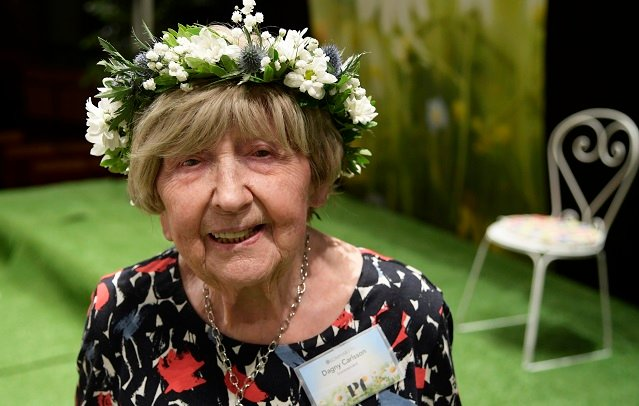 Sweden's 105-year-old blogger supports Me Too campaign