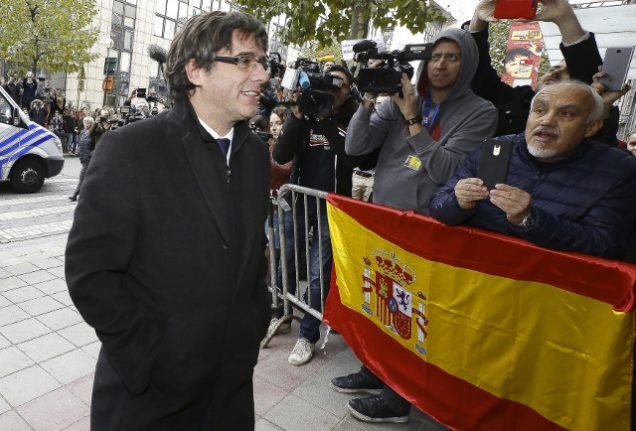 Spanish prosecutors seek EU arrest warrant for Puigdemont