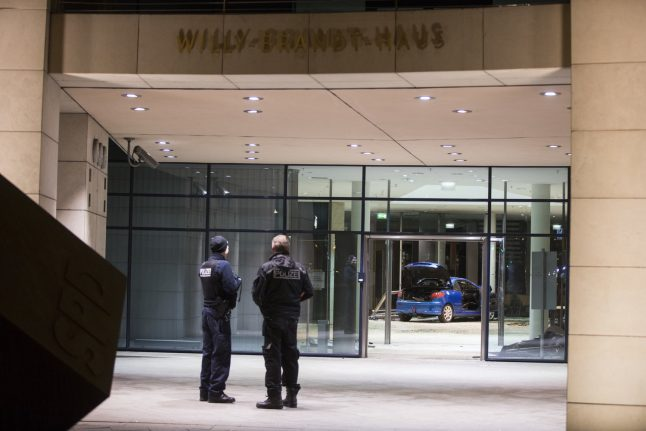 Man rams car into German party HQ in 'suicide attempt'