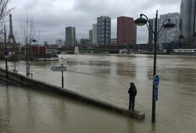 Seine swells even higher, keeping Paris on alert