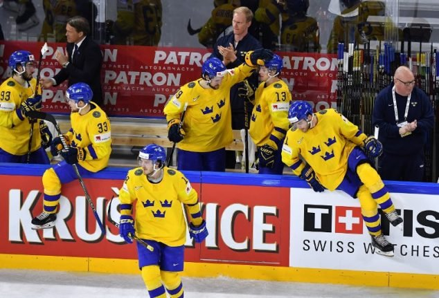 Sweden trounce USA 6-0, face Swiss in world final