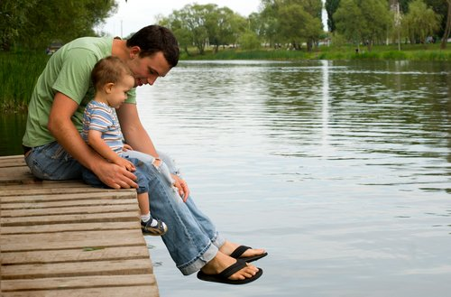 Government comes out against paternity leave proposal