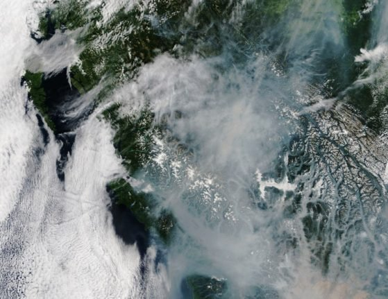 Switzerland enjoys red sunset…thanks to Canadian wildfires