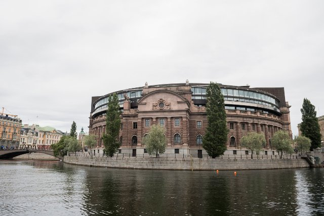 Support for democracy weak among Sweden's youngsters: survey