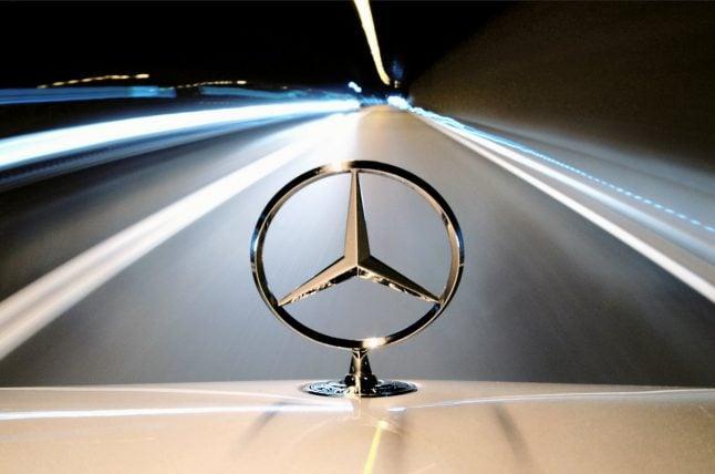 Daimler halts Iran activities due to US sanctions