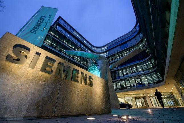 Siemens eyes major revamp as energy woes sap profit