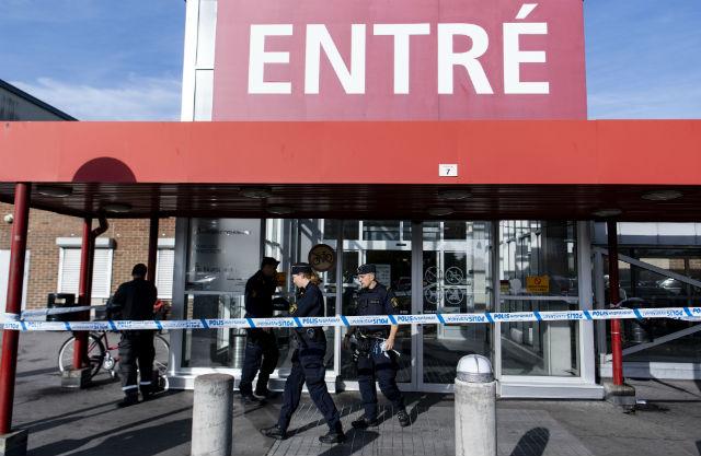 Man stabbed to death in Rosengård shopping mall