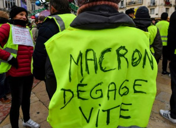 Macron's ratings plunge after 'yellow vest' protests: new poll