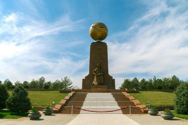 Uzbekistan extends visa-free travel to Germans in tourism bid