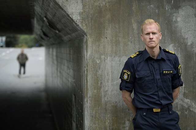 Stockholm police officer goes viral with call for help fighting gun crime