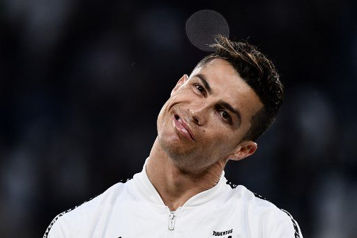 Ronaldo thanks his Spanish fans… with a hair transplant clinic