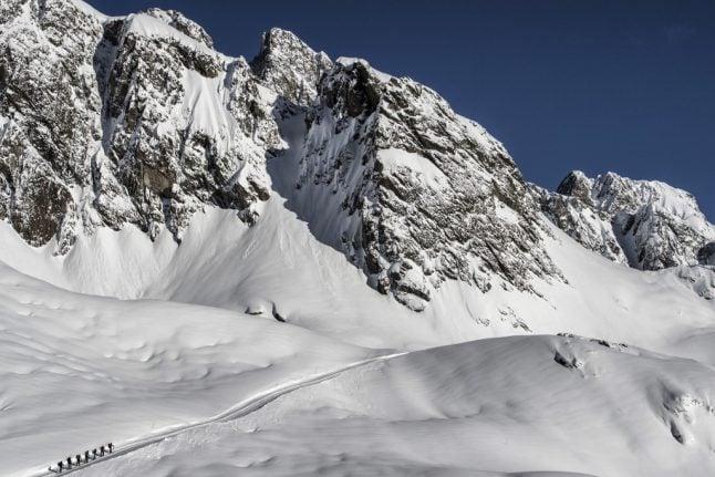 Swiss climbers slammed for landing plane near top of Mont Blanc