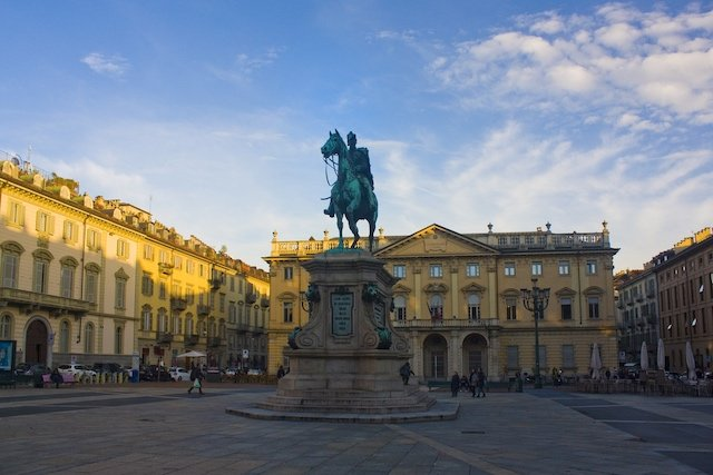 American in serious condition after fall from Turin monument