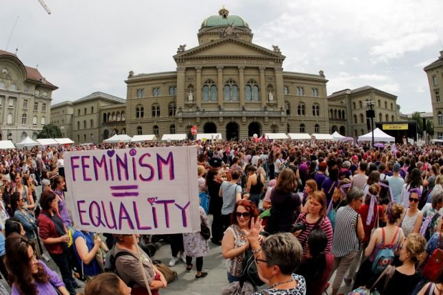 Large Swiss firms must start gender pay gap reporting in 2020