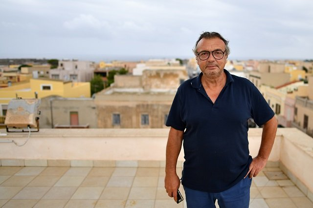 Lampedusa mayor denounces Italy's collapsing government over migrant boat standoff